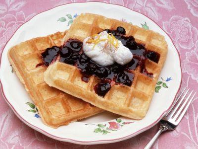 Рецепты приготовления бисквитных и венских вафель.